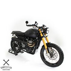 When you customise or modify motorcycles, be it for hobby or as a job and a friend says to you 'do want you wanna do' with a 2015 Triumph Scrambler. A guy or girl couldn't help but grin. This is what I imagine Ram of the Indonesian based White Collar Bikes did when his friend Rudi Soegono uttered those very same words.