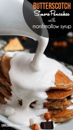 I don't know if pancakes get any BETTER than this? Forkfuls of butterscotch, chocolate, graham cracker pancakes smothered in marshmallow syrup. Marshmallow syrup, amazing (and only 2 ingredients)! What's For Breakfast, Breakfast Pancakes, Pancakes And Waffles, Breakfast Dishes, Breakfast Recipes, Brunch Recipes, Yummy Treats, Yummy Food, Sweet Potato Cinnamon