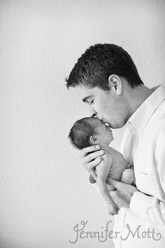 newborn photography by jennifer mott
