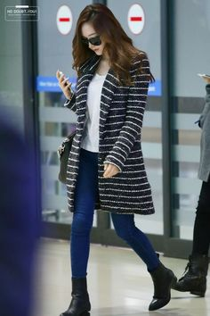 jess has so many nice coats ; Snsd Fashion, Fashion Pants, Korean Fashion, Girl Fashion, Stylish Work Outfits, Cool Outfits, Winter Outfits, Jessica Jung Fashion, Jessica Jung Style