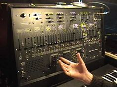 A whole series of videos demonstrating features of the ARP 2600 - YouTube