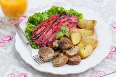Polędwiczki pieczone z ziemniakami Domowy obiad jak u mamy #intermarche #inspiracje #poledwiczki #obiad Sausage, Beef, Food, Meat, Sausages, Essen, Meals, Yemek, Eten