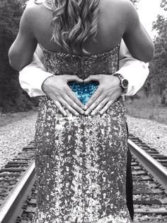 prom pictures! blue dress :)