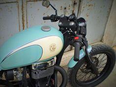 Suzuki Savage 650 #CafeRacer ''Little Wing'' by FMW Motorcycles. Una #Suzuki digna de admirar. Tanque de una Triumph, horquilla acortada 12 cm y colín artesanal | caferacerpasion.com