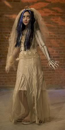 wonderful corpse bride costume but fail on the shoes. Need white pumps with light blue old stocking socks rolled down.