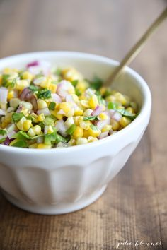 Amazing & easy corn salsa recipe - enjoy it as a dip add it to tacos!