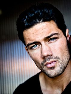 Detective Nathan west General Hospital. Ryan Paevey