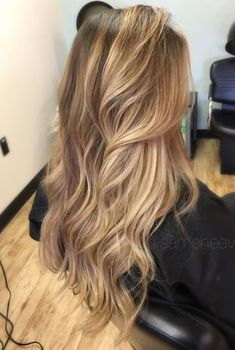 38 Best Balayage Hair Color Ideas for 2019 - Style My Hairs Blonde Hair Looks, Honey Blonde Hair, Blonde Hair With Highlights, Blonde Balayage Honey, Balayage Highlights, Honey Blonde Highlights, Fall Highlights, Ash Blonde, Pelo Guay