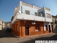 se vende cafeteria con vivienda encima de la misma en abanilla en murcia Abanilla - Anuncialandia Murcia, Cabin, Mansions, Exterior, House Styles, Home Decor, Shopping, Terrace, Flats