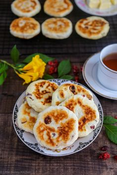 Dancing Hinnie is a scone like griddle cake that is traditionally made in the north of England... Very easy and delicious!