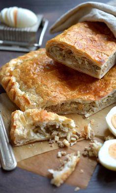Jauhelihapasteija-piirakka | Maku Savoury Baking, Savoury Cake, Savoury Pies, Pastry Recipes, Dessert Recipes, Desserts, No Salt Recipes, Baking Recipes, Finnish Recipes