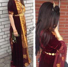 Fin Jli Kurdi, Slave Bracelet, Hijab Fashion, Kaftan, Sari, Bride, Hair Styles, Clothes, Egypt