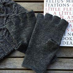 Ravelry: Doublejay gloves pattern by Danielle M