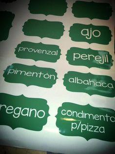 Etiquetas autoadhesivas para frascos, condimentos,especias.  Resisten el agua!!!!