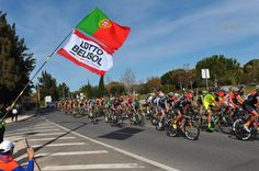 #VoltaaoAlgarve2015 - A Portuguese-Lotto Soudal flag flies in the wind