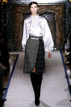 Saint Laurent Fall 2011 Ready-to-Wear Fashion Show - Kate King (ELITE)