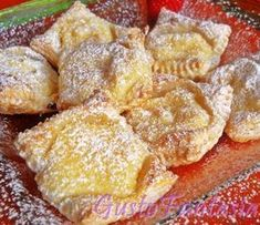 puff pastry with ricotta Puff Pastry Desserts, Cookie Desserts, Sweet Desserts, Sweet Recipes, Delicious Desserts, Cake Recipes, Dessert Recipes, Italian Pastries, Italian Desserts