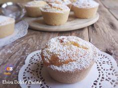 Risottini o budini di riso,dolcetti tipici toscani sono cestini di pasta frolla ripieni di cremoso riso cotto nel latte aromatizzato con la vaniglia e il limone