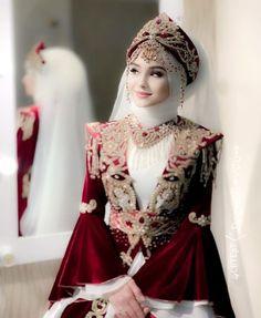 Muslim Wedding Dresses, Wedding Dresses For Girls, Dresses Kids Girl, Pakistani Bridal Hairstyles, Pakistani Bridal Dresses, Two Piece Wedding Dress, Islamic Girl, Hijabi Girl, Party Wear