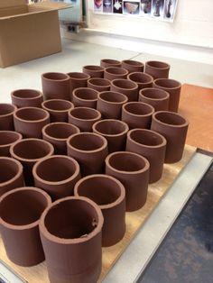 Mug Art, Pottery Sculpture, Art Projects, Project Ideas, Pottery Mugs, Ceramic Mugs, Clay, Change, Ceramics
