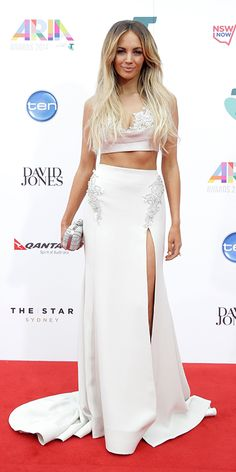 Singer, Samantha Jade attend the ARIA Awards 2014 in Sydney Beautiful Women Pictures, Beautiful Celebrities, Celebrities Fashion, Celebrity Pictures, Celebrity Style, Samantha Jade, Sexy Skirt, Red Carpet Looks, Child Models