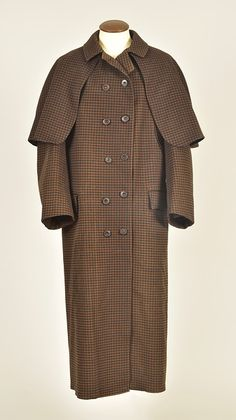 LOT 439 GENTLEMANS CHECKED WOOL COAT with ATTACHED CAPE, 1890s - whitakerauction