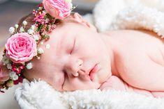 Boho Baby mit Blumenkranz www.mummyandmini.com Foto: Lisa Justine Photography Newborn Baby Girl Flowercrown
