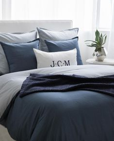 Bedroom Decorating Ideas – Creative bedroom decorating with an unusual bed adds interest to your room, helps personalize your home […] White Comforter Bedroom, Navy Bedding, Comforter Sets, Modern Bedding, King Comforter, White Bedroom, Master Bedroom, Bed Linen Design, Bed Design