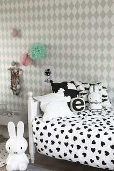 Featured Kids Room: Julie - kenziepoo.com Love the bunnies!