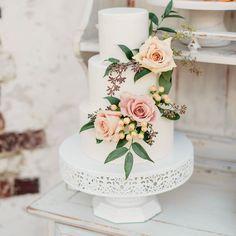 Floral Wedding Cakes, Fall Wedding Cakes, Beautiful Wedding Cakes, Wedding Cake Designs, Perfect Wedding, Dream Wedding, Wedding Day, Creative Wedding Cakes, Romantic Wedding Cakes