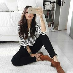 Me encantan los botines cafes de ante, muy buen outfit