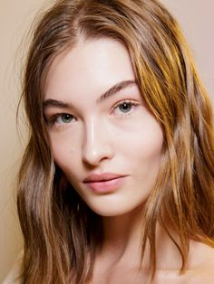 One of Sydney's Top Facialists Is Launching a Skincare Product via Beauty Makeup, Hair Makeup, Hair Beauty, Kids Braided Hairstyles, Cool Hairstyles, Grace Elizabeth, Beauty Shots, Brunette Beauty, Pure Beauty