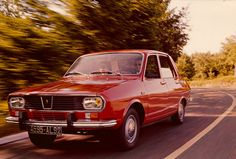 Dacia Romanian Renault 12 copy, has been the Romanian ubicuous car, produced at Piteşti between 1969 and Bmw E30, Evo, Old Cars, Peugeot, Nissan, Classic Cars, Vehicles, Vroom Vroom, Vintage