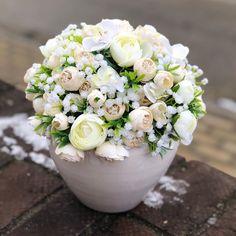 Flower Arrangements, Vase, Box, Flowers, Projects, Instagram, Home Decor, Log Projects, Floral Arrangements