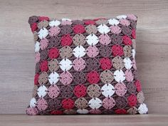 Accent crochet pillow coffee red pink beige white multicolor granny square decorative pillow case for sofa, toss pillow 17x17 (43 x 43 cm) This accent crochet decorative pillow is: - multicolor -coffee, red, pink, beige, white; - of granny square pattern; - handmade item; - made of acrylic yarn; - could be a custom made. Could be a great pillow for sofa or toss pillow! The crochet motif is a variation of the classic granny square. It consists of 100 small crochet pieces united together in…