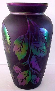 Fenton Connoisseur Leaves Of Gold Vase On Plum Glass Sandcarved FREE SHIP LOW 48