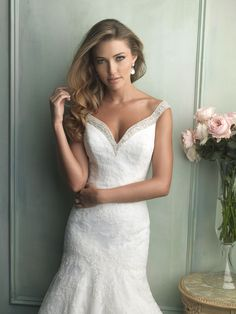 Allure Bridals : Allure Collection : Style 9111 : Available colours : White/Silver, Ivory/Silver (close up)