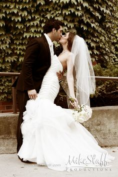 love the dress and simple veil
