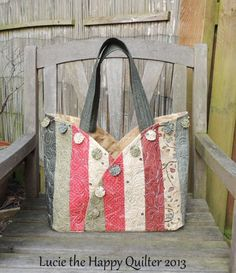 Scrappy Semi Circle Bag..no tute or pattern but very cute...may be able to figure it out.
