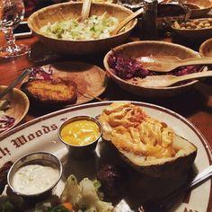 Hapy belated birthday @treverodell! Thank you for capturing this great shot of the spread @sandyodell66 #clearmansrestaurants #cheesebread #wine #northwoodsinn #sangabriel #covina #lamirada #losangeles #steak #dinner #food #foodporn #foodgasm #instafood #yum #yumyum #yummy #delicious #losangeles #familyrestaurant #stuffed #comfortfood #homecooking #classic #traditional