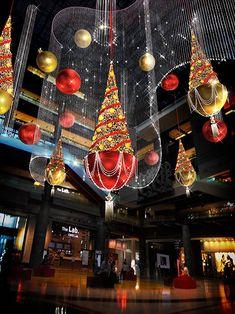 2013年4月26日に開業したグランフロント大阪で、初となるクリスマスイベント「GRAND WISH CHRISTMAS」が開催される。テーマは「みんなの願いがあふれるクリスマス」。2013年11月2...