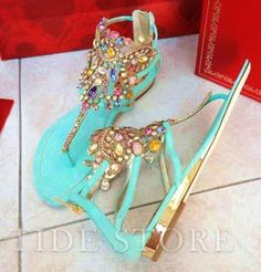 Bummer that this link to these shoes can't find them. My favorite color plus bling - love 'em!!