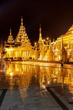 Shwe Dagon, in the rain, Burma   by Soe Lin Htoot on 500px