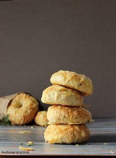 Homemade Asiago Cheese and Rosemary Bagels Recipe | Foodness Gracious #NoshOnBrunch