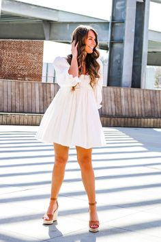 Spring dress and heels OOTD Cozy Fashion, Holiday Fashion, All Fashion, Fashion Beauty, Autumn Fashion, Fashion Outfits, Womens Fashion, Casual Tops For Women, Weekend Wear