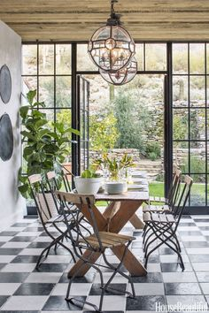 tiles Mediterranean-style dream home with rustic interiors in the Arizona desert Cottage Interiors, Rustic Interiors, Dining Room Table Decor, Dining Area, Checkered Floors, Provence Style, Mediterranean Homes, Contemporary Home Decor, Beautiful Homes