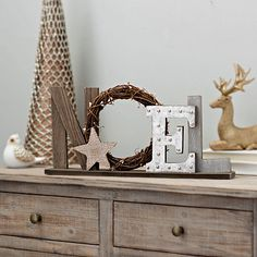 49 Ideas For Farmhouse Decor Christmas Diy Mantle Natural Christmas, Christmas Signs, Country Christmas, Rustic Christmas, Christmas Crafts, Kirklands Christmas, Tabletop Signs, Navidad Diy, Craft Night