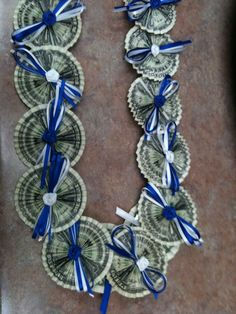Money Lei for graduation! Graduation Crafts, Graduation Leis, Graduation Celebration, Preschool Graduation, Money Lei, Money Origami, Cash Money, Homemade Gifts, Diy Gifts