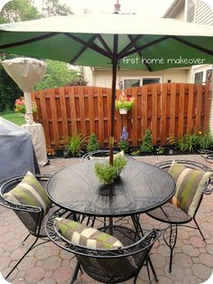 Patio set...want one of these too ;)