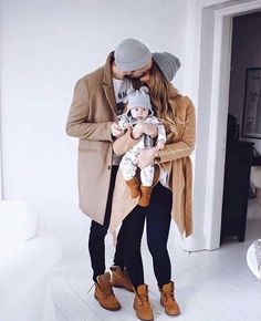 Matching couple,with baby! This is my family goal! Love it! This is a picture I hope I will be a